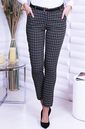 Еластичен дамски панталон на черно бяло каре 8743