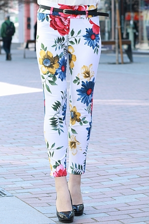 Стилен дамски панталон на цветни мотиви 8385