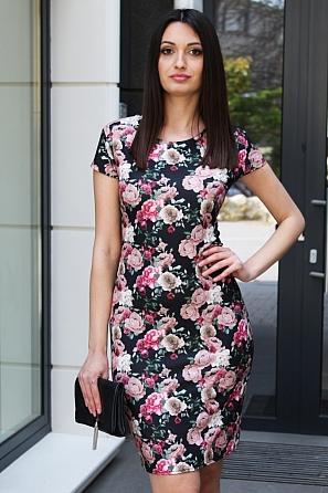 Стилна дамска рокля на красиви рози 9085