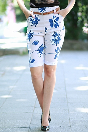 Еластичен 3/4 панталон на цветя с колан 8773
