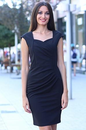 Луксозна дамска рокля с красиво деколте и набор в талията 8528