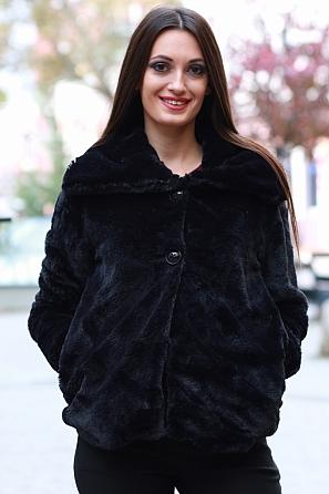 Едноцветно дамско късо палто 8593