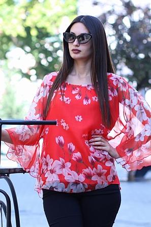 Шифонена блуза на цветя с ефектен ръкав 8774