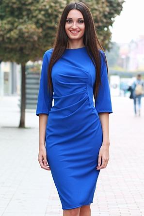 Елегантна дамска рокля с набор отпред 8813