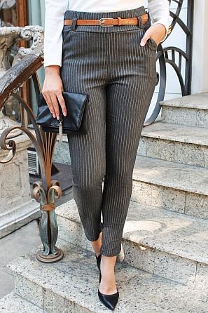 Еластичен дамски панталон на тънко райе 9108