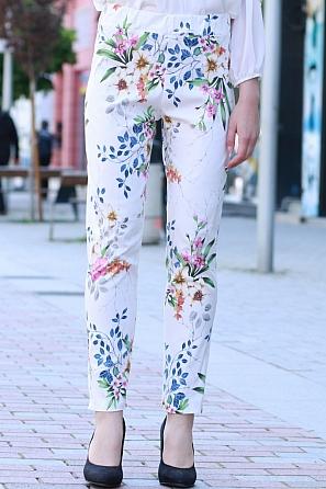 Еластичен панталон с ластик и флорални мотиви 8406