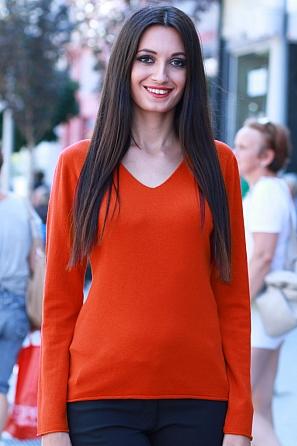 Дамски пуловер фино плетиво с V-образно деколте 8518