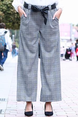 Модерен дамски свободен панталон каре с панделка 85583