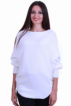 Едноцветен мек дамски пуловер с прилеп ръкав 8564
