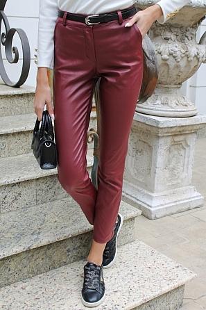 Кожен дамски панталон с цип и подарък колан 9102