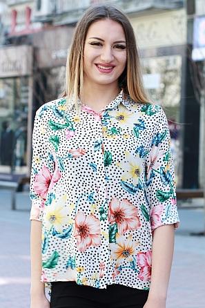 Стилна дамска риза с флорални мотиви 8383