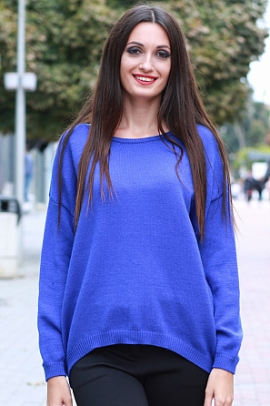 Едноцветен мек дамски пуловер 8566