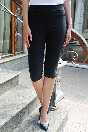 Еластичен едноцветен 3/4 панталон 9018