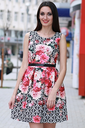 Стилна разкроена дамска рокля с флорален мотив 8355