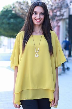 Елегантна едноцветна дамска блуза с подарък аксесоар 8480
