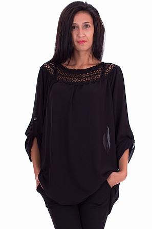 Шифонена дамска блуза с шевици на деколтето