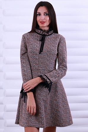 Елегантна дамска рокля с ефектна горна част и ръкави 8599