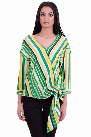 Стилна дамска блуза с акцент в долната част 7874