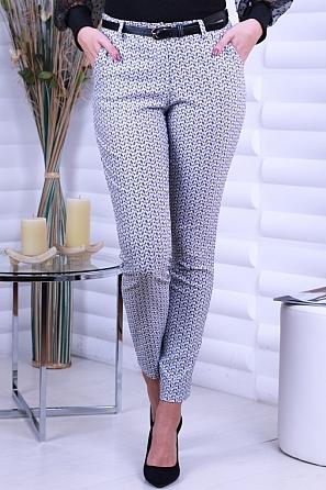 Еластичен дамски панталон с интересни мотиви 8704