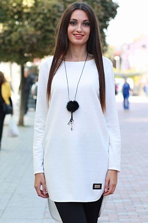 Едноцветна дамска блуза с издължена задна част 8579