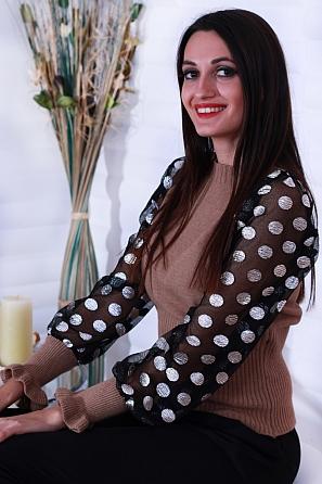 Интересна дамска блуза с буфан ръкави със сребърни точки 8636