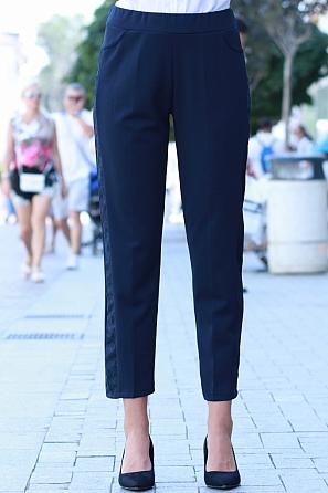 Стилен еластичен панталон с дантелен мотив отстрани 8553