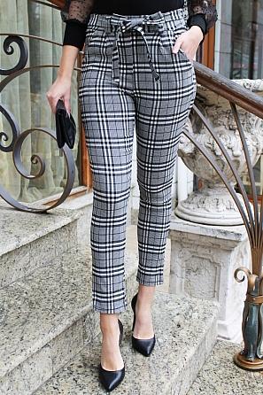 Елегантен дамски панталон едро каре с панделка 90052