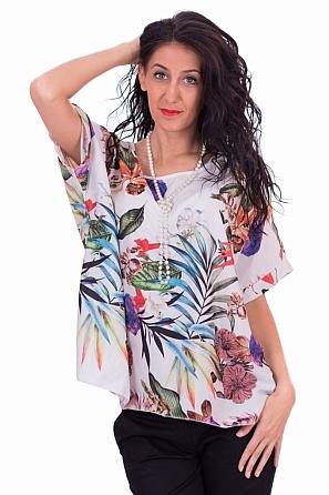 Стилна блуза с флорални мотиви