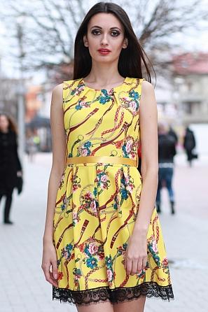 Разкроена дамска рокля с цветен мотив 8354