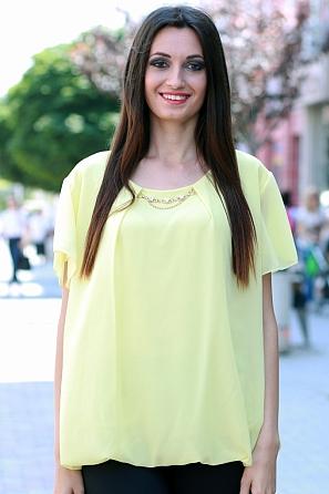 Шифонена дамска блуза с акцент бижу и къс ръкав 8446