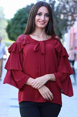 Елегантна шифонена блуза с дантела и красиви ръкави 8536
