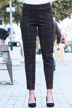 Стилен зимен дамски панталон на цветни карета 8584