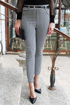 Дамски еластичен панталон черно-бял пепит 90064