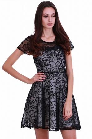 Луксозна дамска рокля с дантела и ръкави 8218