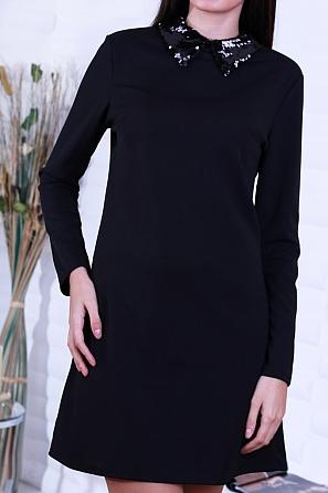 Едноцветна дамска рокля с ефектна яка на пайети 8653
