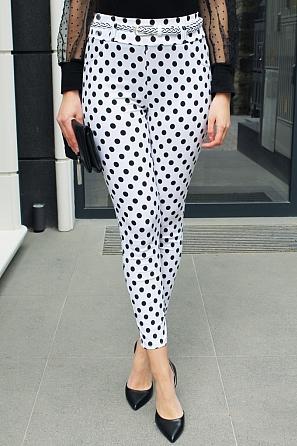 Еластичен дамски панталон на точки с колан 9013