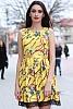 Разкроена дамска рокля с цветен мотив